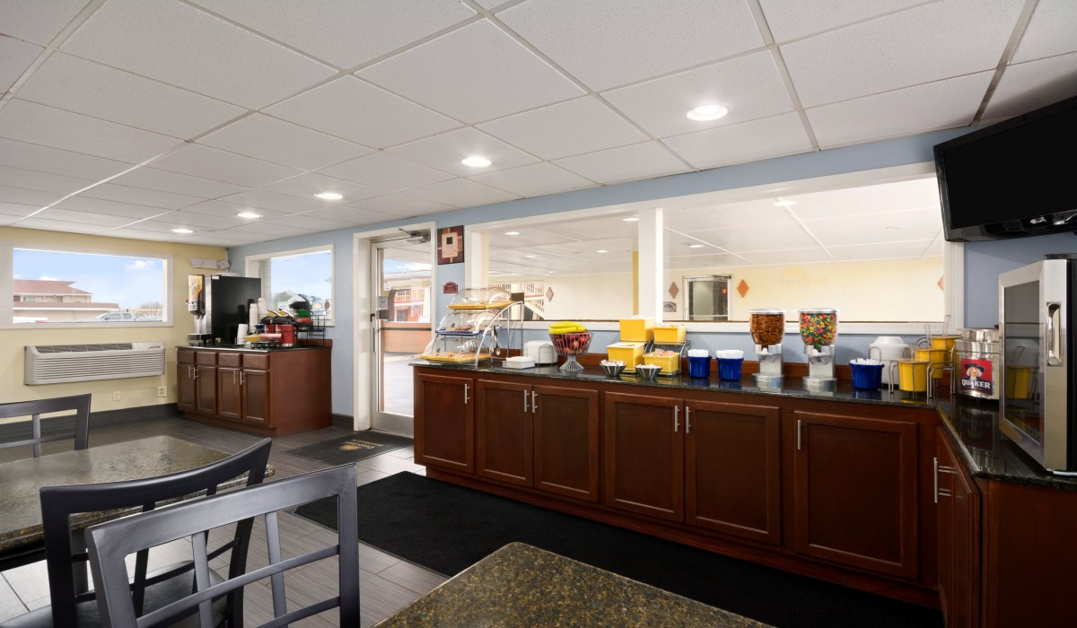 ... Days Inn Jacksonville NC   Free Continental Breakfast Is Included With  Your Stay ...