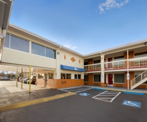 Days Inn Jacksonville NC - Free Parking is available at the Jacksonville NC Days Inn
